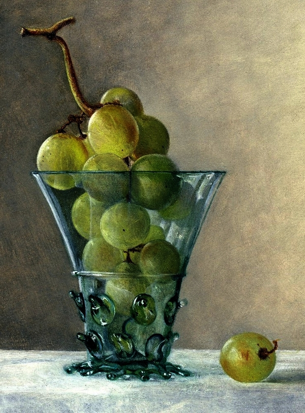 Glass with grapes by Hanneke van Oosterhout